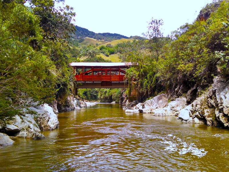 Kolumbien Amazonas Brücke